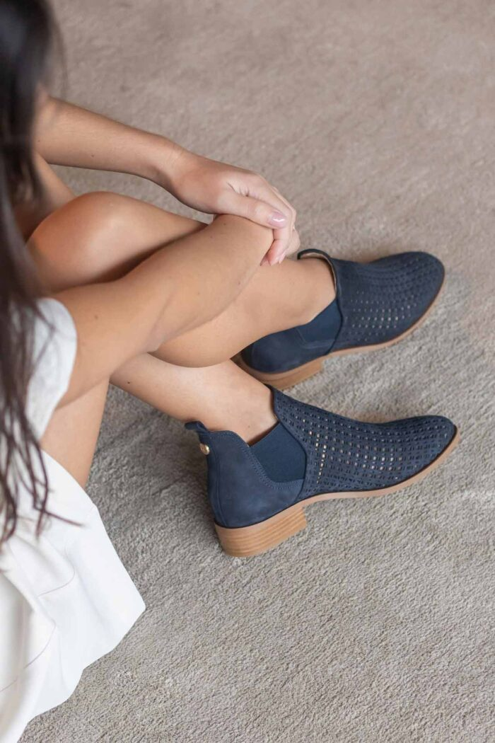 FLAT ANKLE BOOT