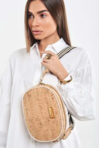 Oval Crossbody natural cork