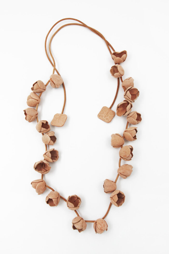 COTTON FLOWER LEATHER NECKLACE LONG NUDE