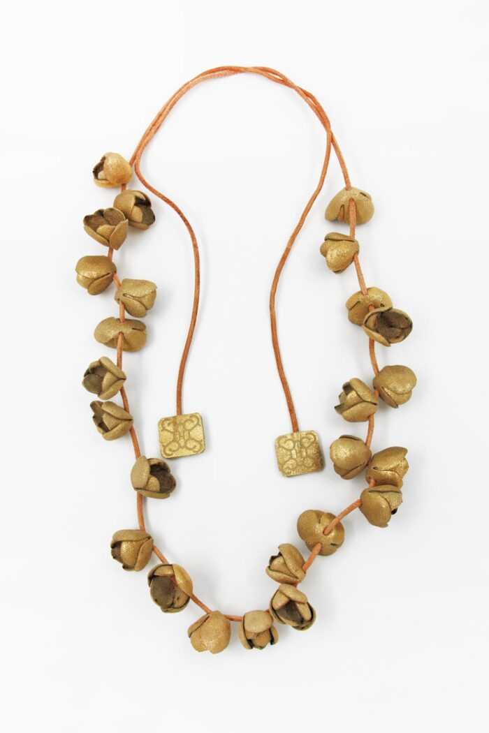 COTTON FLOWER LEATHER NECKLACE LONG GOLD
