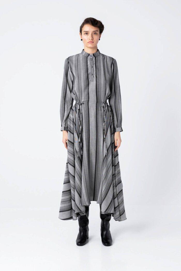 Grey/Black Dancing Lines Maxi Dress