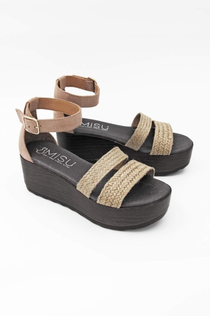 NUDE SUEDE AND WICKER ANATOMIC FLATFORMS