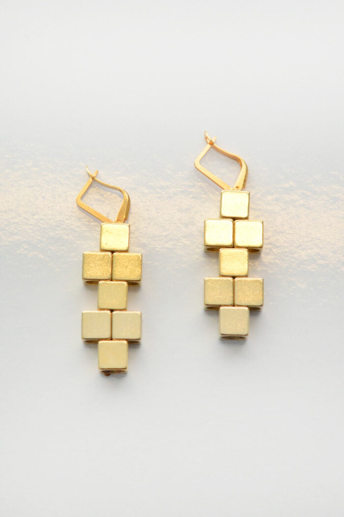 HONEY GOLD EARRINGS CUBIC PATHWAY