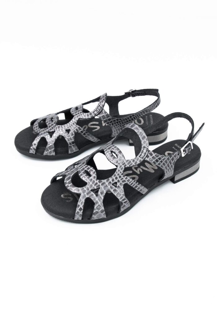 BLACK/SILVER LEATHER FLAT SANDALS