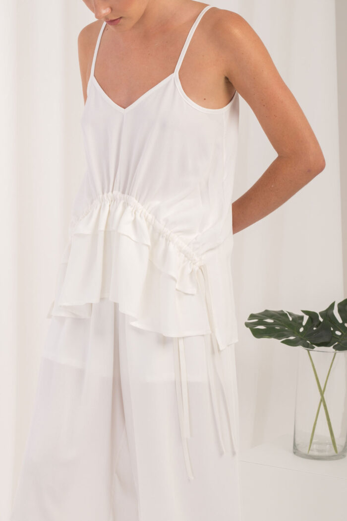 WHITE BLOUSE WITH ADJUSTABLE CORDS